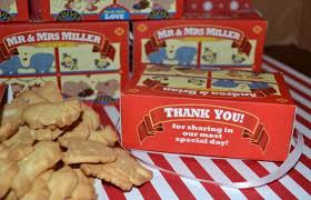 personalized cracker boxes personalized animal cracker boxes wedding favors party favors