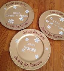 how to perfectly decorate charger plates with silhouette