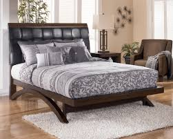 minburn queen upholstered sleigh platform bed by signature design