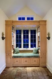 reading nook hall traditional with vaulted ceiling round floor