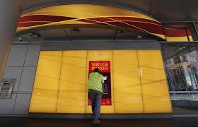 Teller Job Description Wells Fargo Banks Just Can U0027t Quit Charging You Overdraft Fees Chicago Tribune