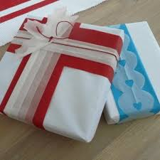 tissue paper gift wrap 285 best christmas gifts christmas gift wrapping images on