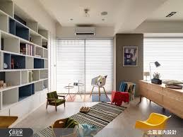 le de bureau articul馥 進入室內後 獨立玄關利用交織仿木紋磚 勾勒一方復古典雅的心靈轉換場