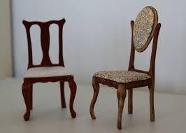 une chaise nouveau humpty dumpty