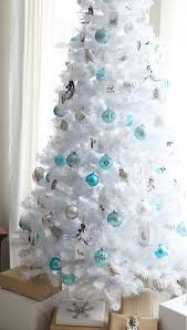 9 ultra chic monochromatic tree decorating ideas brit co