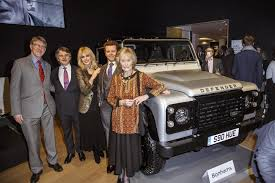 land rover one one of a kind land rover defender sold for 600 000 autoevolution