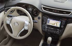 nissan canada go auto suv review 2014 nissan rogue driving