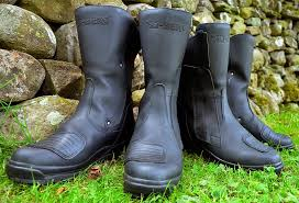 good cheap motorcycle boots earth roamers alt berg motorcycle boots review