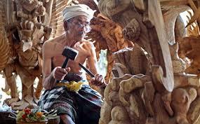balinese wood carving bali spartan tour