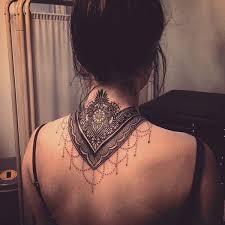 die besten 25 mandala neck tattoo ideen auf pinterest leicht
