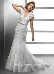 elegant mermaid scalloped v neck vintage lace modest wedding dress
