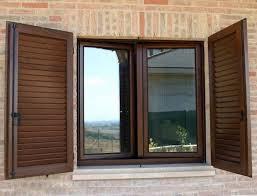 persiana in legno persiane in legno finestre come scegliere le persiane in legno