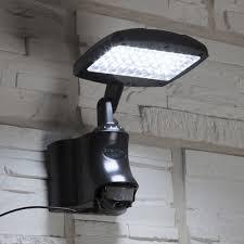 lampadaire de jardin leroy merlin projecteur à détection solaire caraïbes 270 lm noir inspire