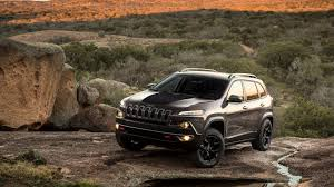 jeep trailhawk 2017 watch a stock jeep cherokee trailhawk conquer hell u0027s gate in moab