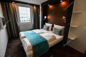 chambre d hotel moderne intérieur de la chambre d hôtel moderne de luxe photographie