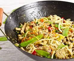 cuisiner des pates chinoises nouilles chinoises aux légumes recette de nouilles chinoises aux