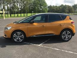 renault grand scenic 2017 interior renault grand scenic 1 5 dci energy hybrid dynamique nav 5dr