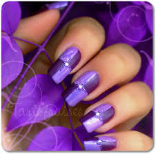 nail design center purple nail with center stud