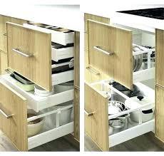 cuisine dans un placard boite rangement cuisine boarte de rangement transparente