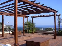 struttura in legno per tettoia pergole e tettoie da giardino in legno
