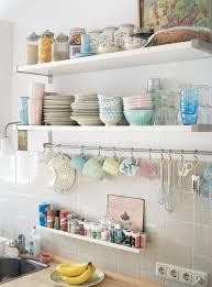 Small Kitchen Open Shelving Keltainen Talo Rannalla Koteja Lauantaille Home Sweet Home