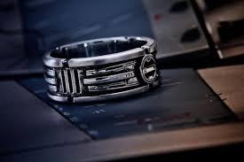 Star Wars Wedding Rings by Star Wars Lightsaber Style Wedding Ring U2014 Geektyrant