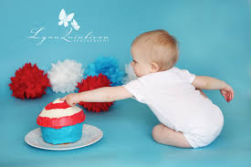 massachusetts baby photographer one year old boy birthday cake dr