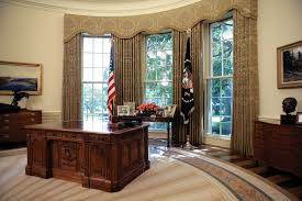 obama oval office obama 39 s personal touches to the oval office