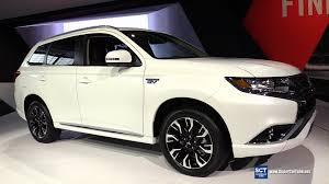 mitsubishi outlander interior 2017 2017 mitsubishi outlander phev s awc exterior interior walkaround