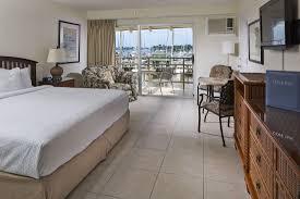 Bedroom Furniture Naples Fl by Hotel Naples Fl Bayfront Hotel Cove Inn On Naples Bay