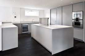 cuisine pour surface aménagement st tropez cuisine et salle de bains solid surface