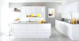 cuisine blanc laqué et bois cuisine blanc laque cuisine blanc laque avec ilot lille 21 cuisine