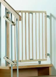 kinderschutzgitter treppe geuther schwenk treppenschutzgitter 2733 natur de baby