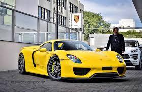 Porsche 918 0 60 - more photos of the racing yellow coloured porsche 918 spyder