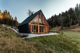 haus am stürcherwald a mountainside home that tracks the sun