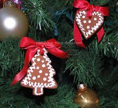 toddler activities ornaments and decorations made with