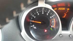 nissan juke green auto light flashing nissan juke 1 2 problem start youtube