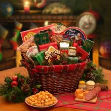 christmas food baskets best christmas gift baskets to give to your loved ones this