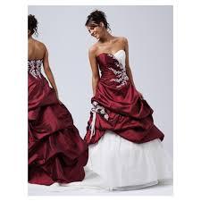 boutique mariage bordeaux de mariee blanche et bordeaux