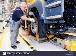 man truck repair on man images tractor service and repair manuals