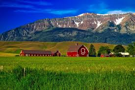 Oregon mountains images Free photo oregon farm mountains free image on pixabay 1721557 jpg