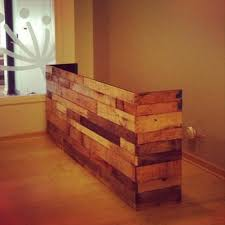 Building A Reception Desk 13 Amazing Wood Pallet Reception Desk Pallets Designs