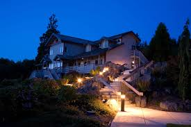 Outdoor Lighting House by Outdoor Lighting Benefits Wire Wiz Electrician Services