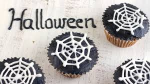 how to make halloween spider web cupcake toppers happyfoods