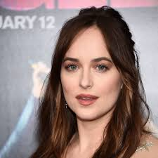 lob haircut wiki dakota johnson debuts long hair at the how to be single premiere vogue