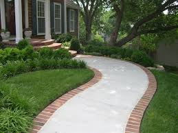 Easy Landscaping Ideas For Front Yard - best 25 sidewalk landscaping ideas on pinterest driveway