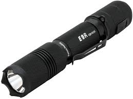 le torche cree powertac e9r rechargeable led flashlight 1020 lumens