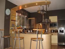 cuisine ouverte avec bar modele cuisine avec ilot bar bel agencement des couleurs et
