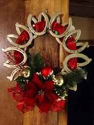 horseshoe ornaments 10 things you can make with horseshoes diy projects for everyone
