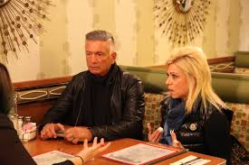 how ols is theresa csputo long island medium exclusive theresa caputo gets a family shock in